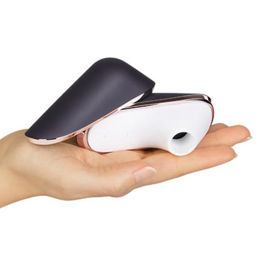 オシャレで携帯便利なクリ吸引バイブ